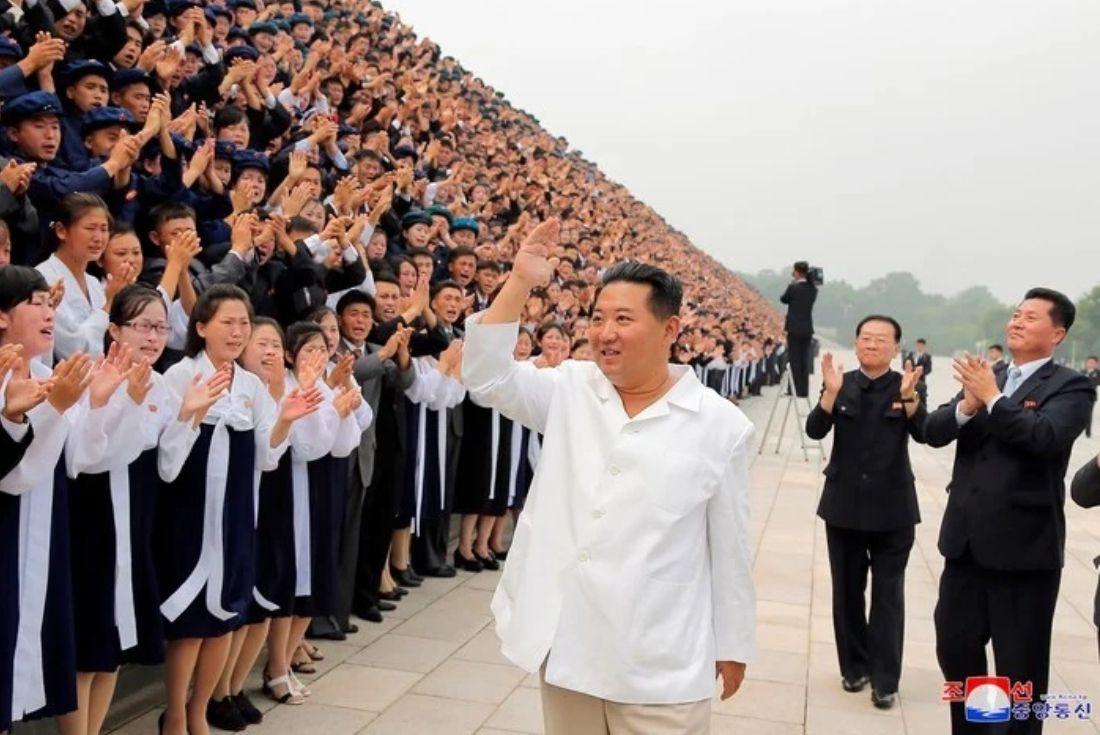 Corea del Norte. El líder supremo Kim Jong-Un se mostró en público con varios kilos menos. (AP)