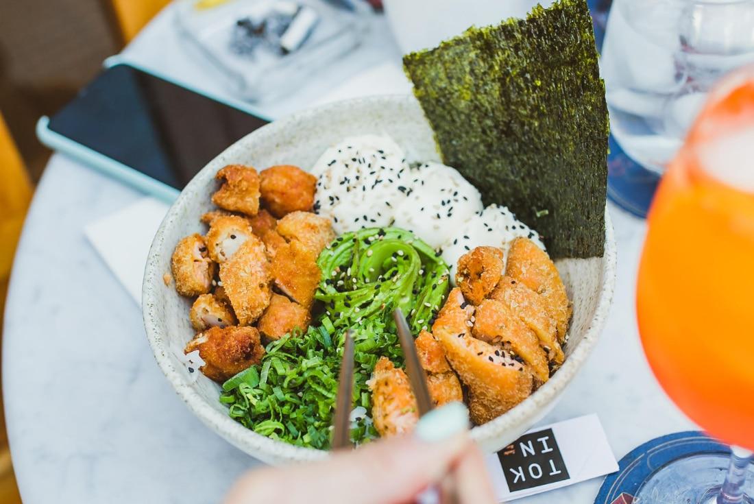 Paisajes, imágenes, aromas y fragancias se traducen en una vivencia sensorial que acompaña la degustación. (Foto: Tokin Sushi Bar)